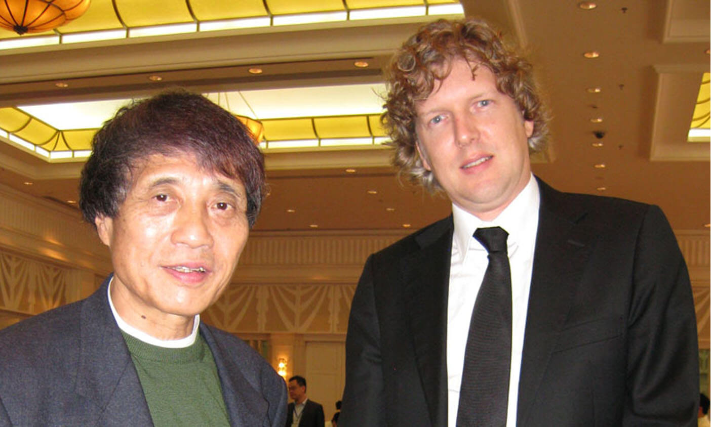 Tadoa Ando And Koen Olthuis At Conference In China