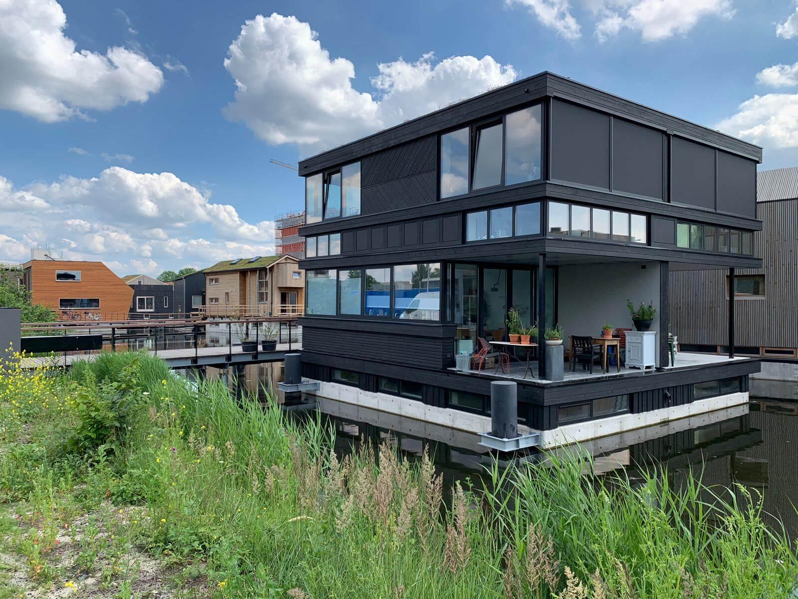 Amsterdam Pioniert Met Duurzaam Drijvende Woonwijk